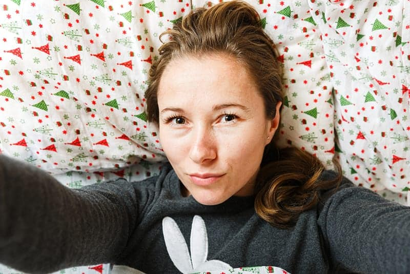 Selfies Get an Extra Boost When They're Taken in the Bedroom