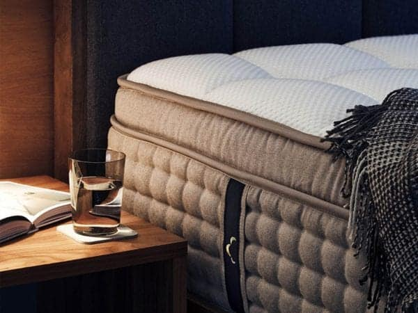 Why Everyone Is Raving About The DreamCloud Mattress