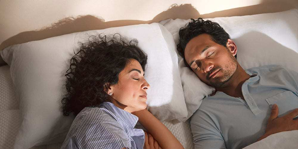 12 SLEEP FACTS ABOUT MEN